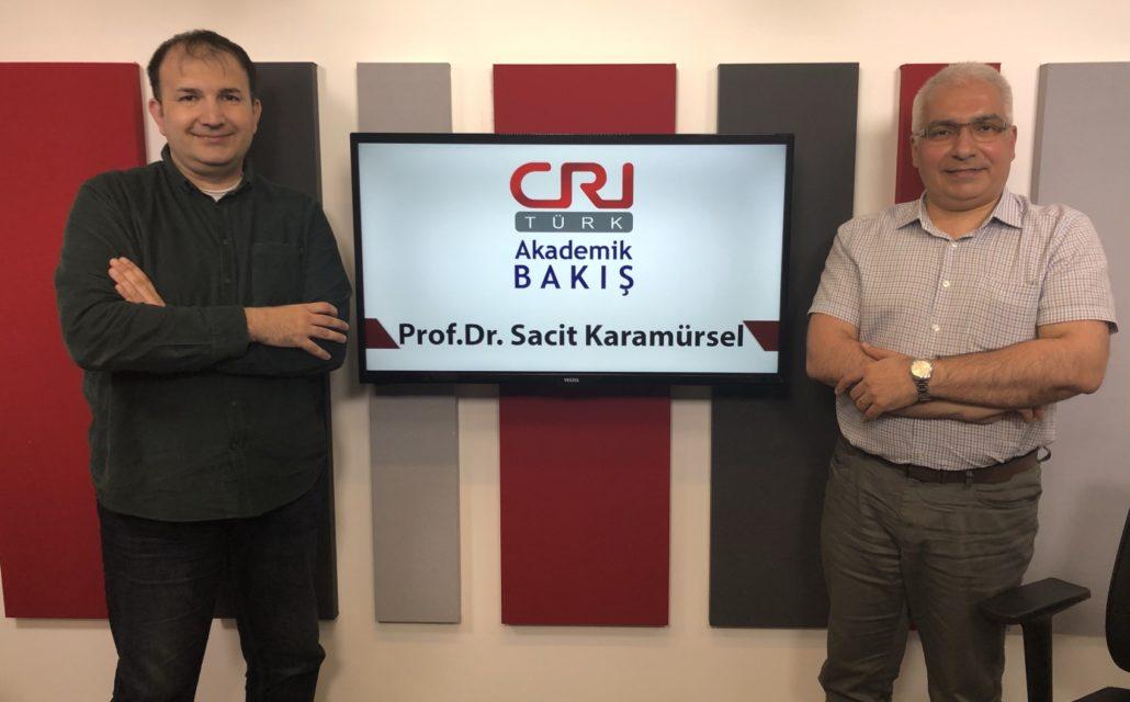 """Prof.Dr. Sacit Karamürsel, Michael Kuyucu'ya: """"Amacımız Vakıf Üniversitelerinde Bir Numara Olmak"""" Dedi"""