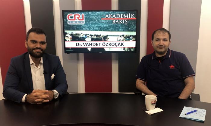 Dr. Vahdet Koçak , Michael Kuyucu'ya Akademisyenlerin Sendikal Haklarını Anlattı