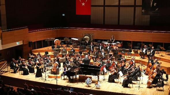 Yaşar Üniversitesi Senfoni Orkestrası'ndan Cumhuriyet Konseri