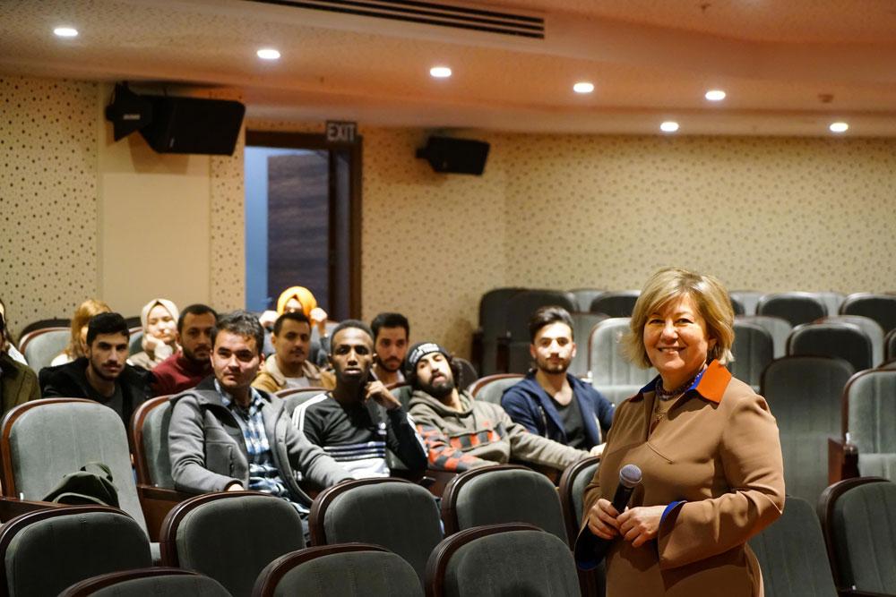 Haliç Üniversitesi Rektörü Prof. Dr. Melek Güneş Yavuzer TÖMER Yabancı Uyruklu Öğrenciler İle Görüştü