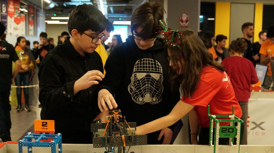Nişantaşı Üniversitesi – Robotlarla Birlikte Yeni Meslekler Geliyor