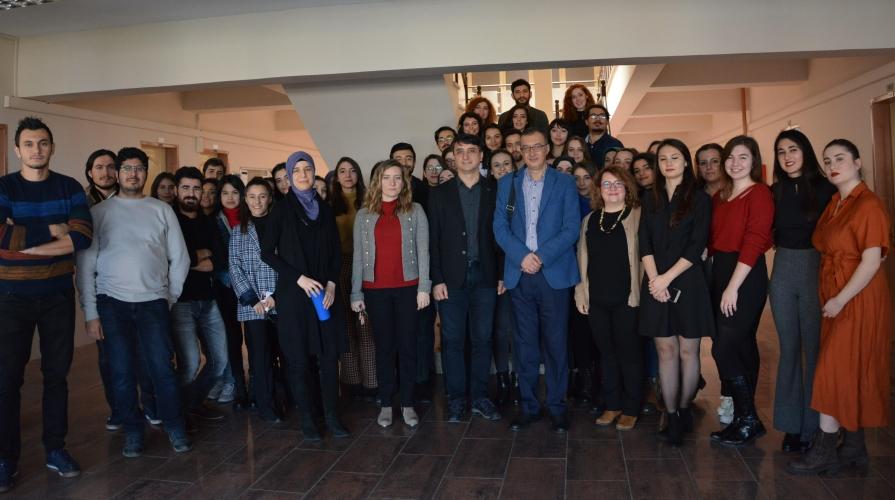 """Çanakkale Üniversitesi – Moleküler Biyoloji ve Genetik Öğrencileri """"Special Topics"""" Dersi Çalışmalarını Sundular"""