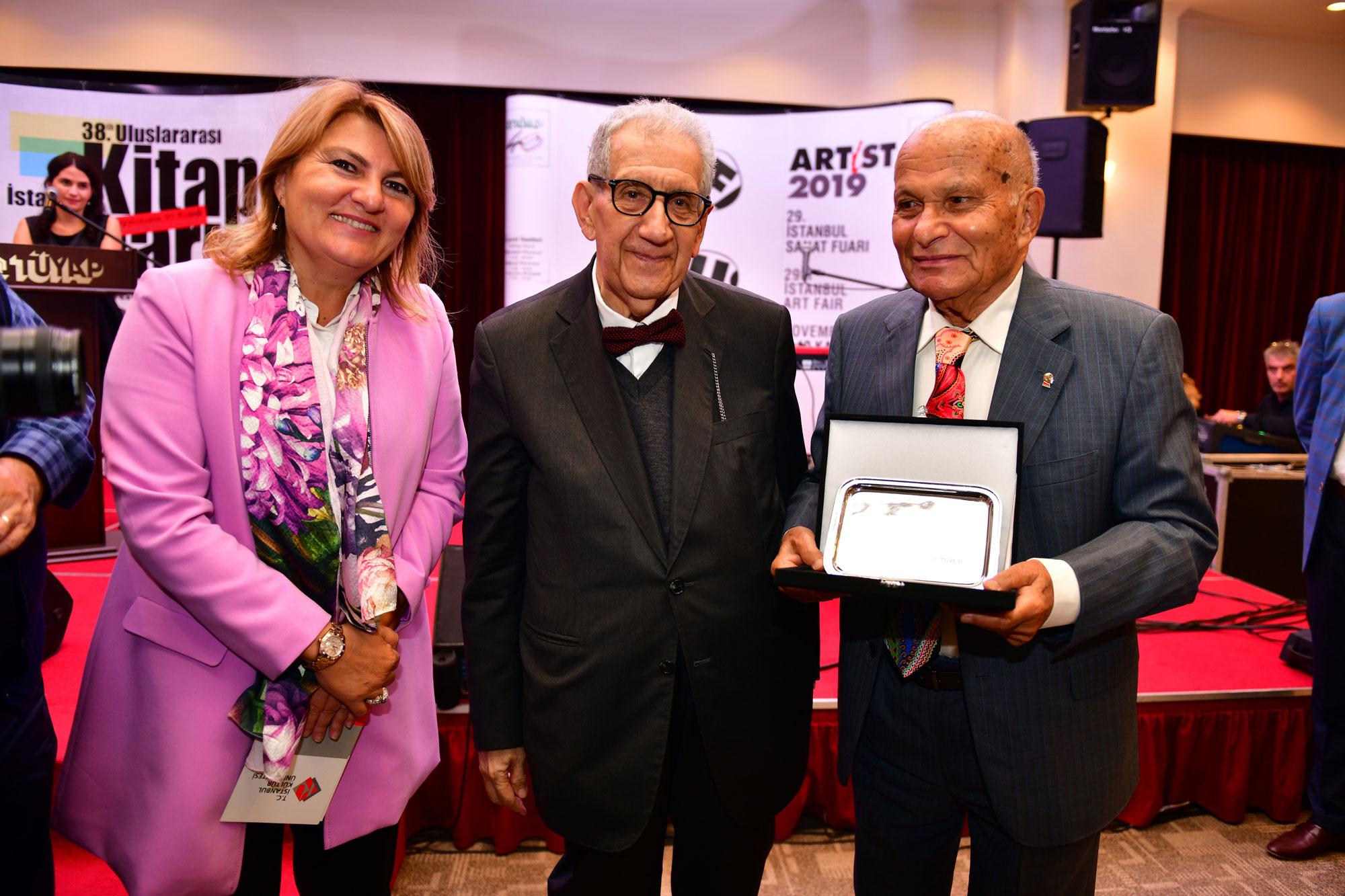 """Artist 2019 """"Sanatsever Kurum Ödülü"""" İKÜ'nün"""