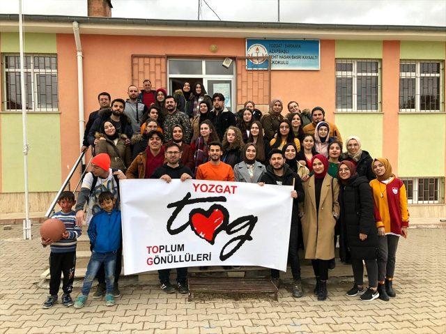 Yozgat Bozok Üniversitesi Öğrencileri Köy Okulunu Renklendirdi
