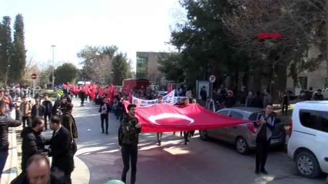 Yıldız Teknik Üniversitesi Öğrencileri Şehitler İçin Yürüdü