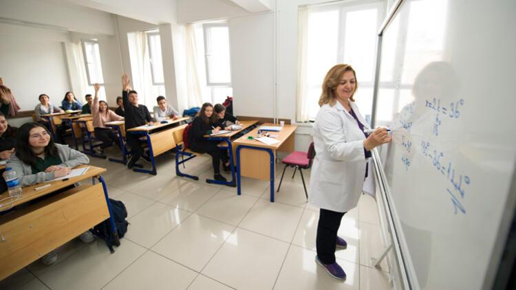 YÖK Dersleri Platformu'nu 400 bin Kişi Ziyaret Etti