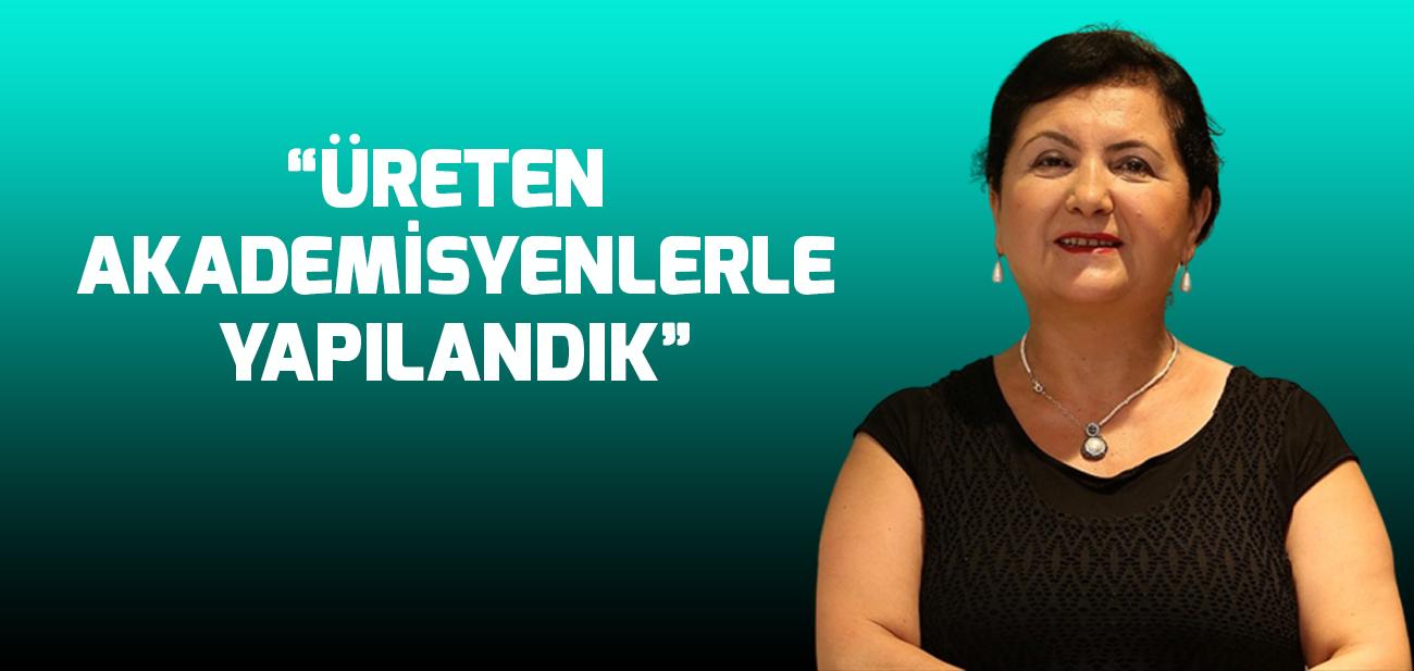 """Prof. Dr. Nazife Güngör """"Akademik Bakış""""a Üsküdar İletişimi Anlattı"""