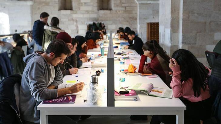 Ekim ayı yaklaşıyor… Üniversiteler ne zaman açılacak?