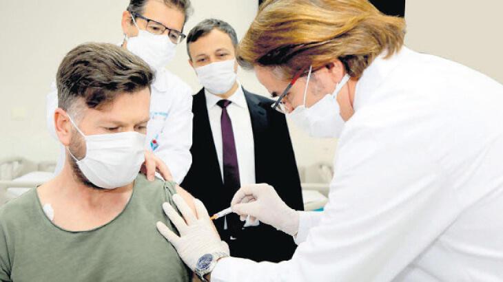 'Akademisyenlere de aşı yapılsın'