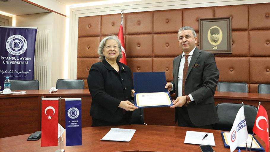 İstanbul Aydın Üniversitesi'nden Enerji Teknolojilerinde İş Birliği