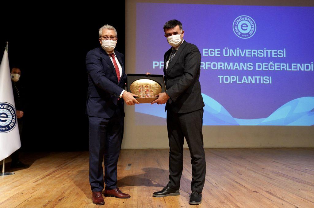 """Prof. Dr. Yozgatlıgil, """"Ege Üniversitesinin Son 3 Yıldaki Performansı Göz Kamaştırıcı"""""""