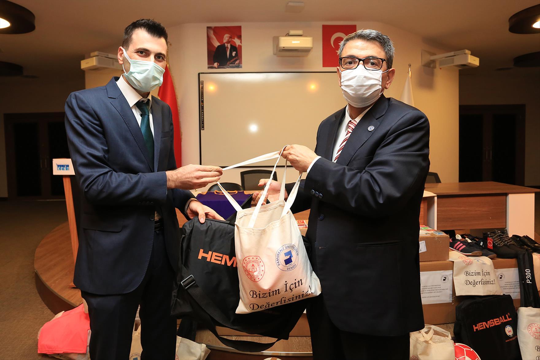 Pamukkale Üniversitesi Öğrencilerinden Anlamlı Proje