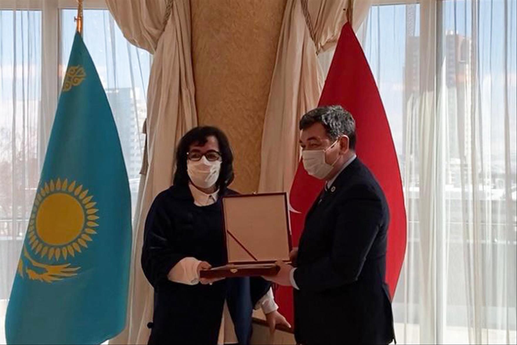 PAÜ'lü Akademisyen Kazakistan Devlet Ödülü'nün Sahibi Oldu
